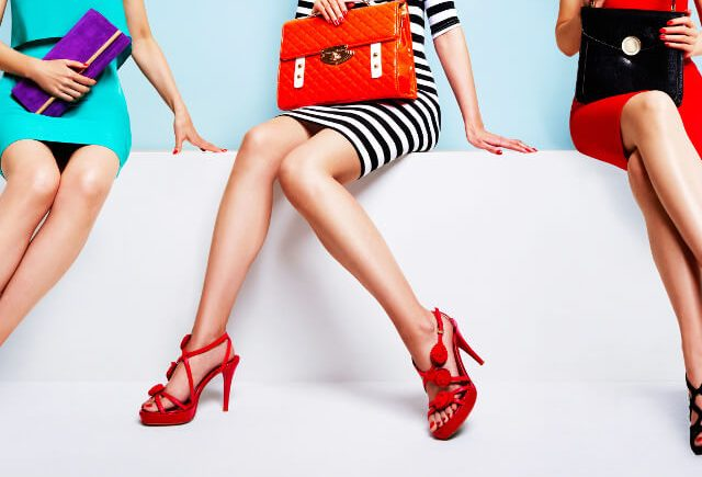 キレイな足の女性